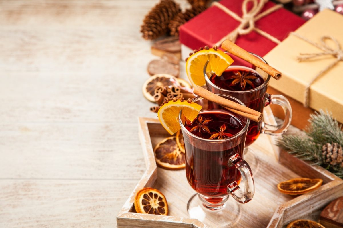 From Mulled Wine to Mistletoe – Four Festive Customs Explained